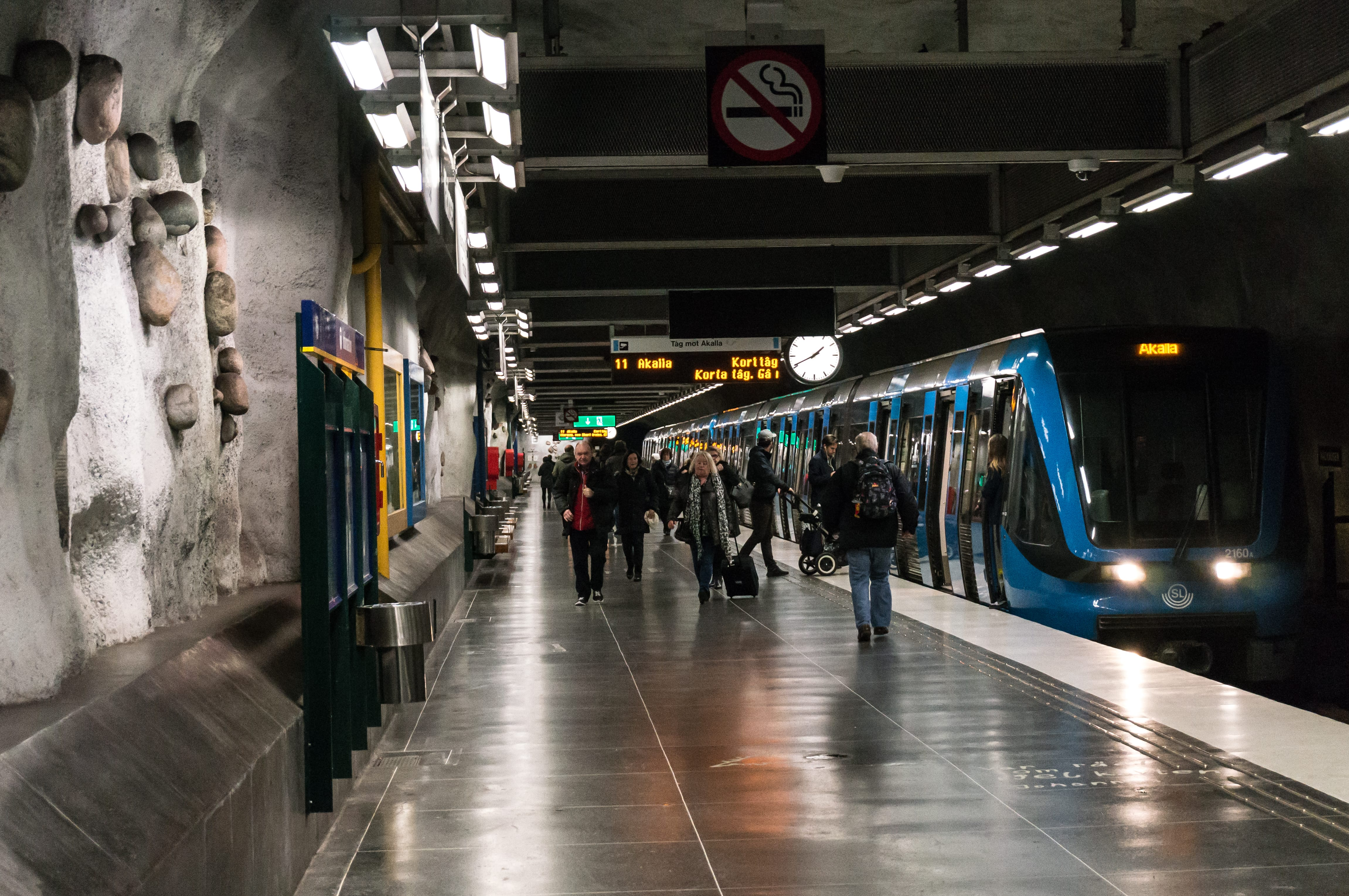Транспорт в Стокгольме. Как купить билет и доехать до центра города