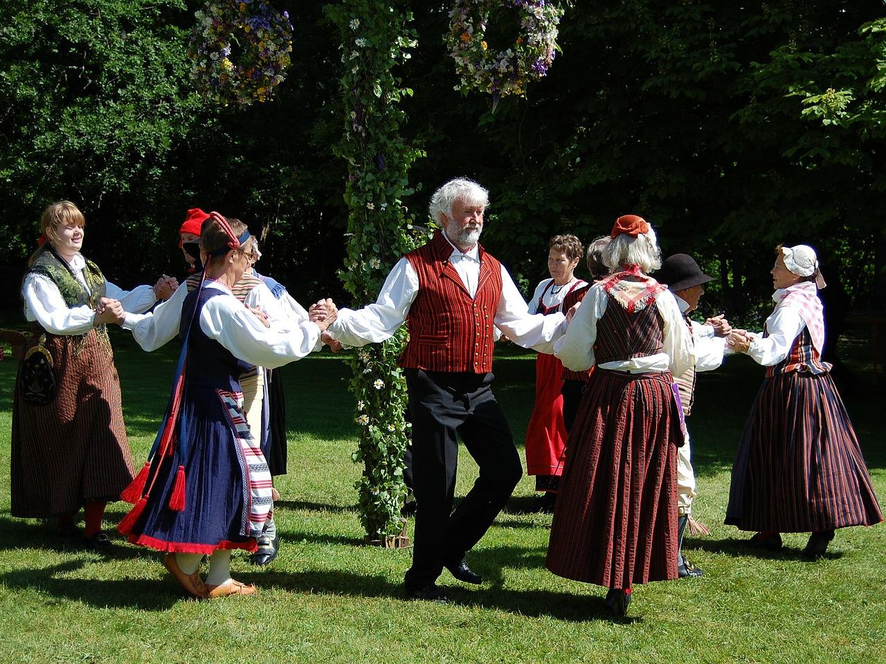 Отмечаем Midsommar как шведы. Топ-5 советов о главном празднике лета