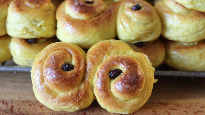 Делаем шведские шафрановые булочки